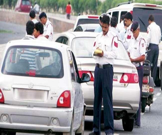 Traffic Challan In Delhi: दिल्ली-NCR में इन 2 तरह के वाहनों के चलाने पर लगी रोक, रोड पर दिखते ही होगी सीज